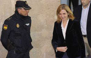 El juez lleva al banquillo a la Infanta por blanqueo para que no lo tumben
