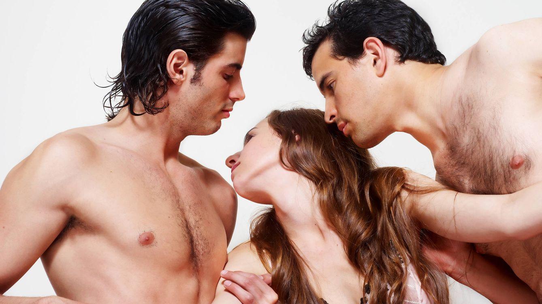 Por qué los hombres heterosexuales tienen sexo entre ellos