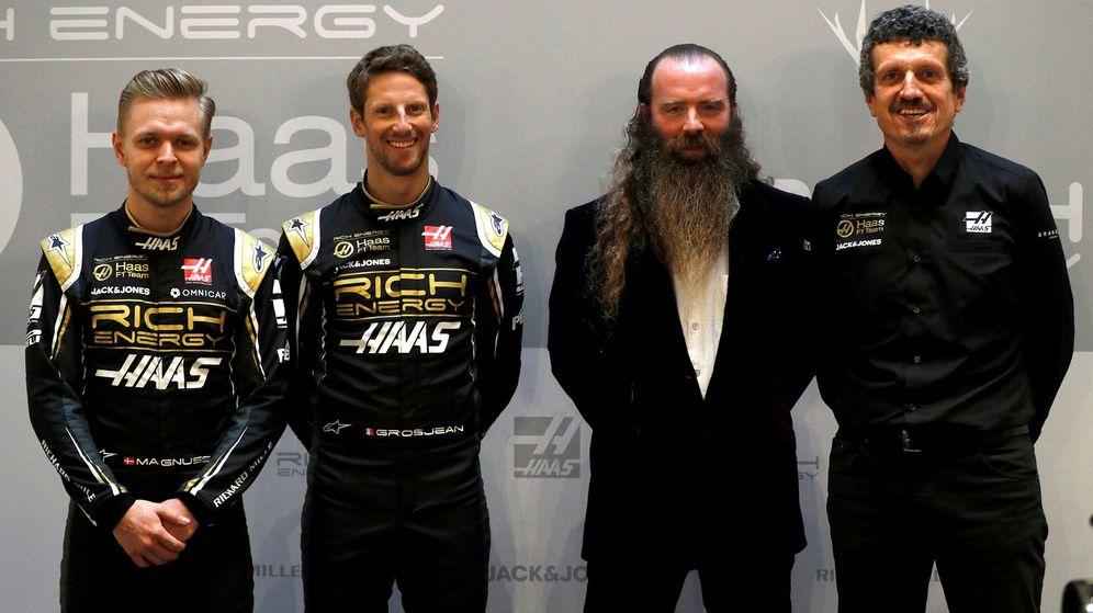Foto: Magnussen, Grosjean, el CEO de Rich Energy William Storey y Guenther Steiner. (Reuters)