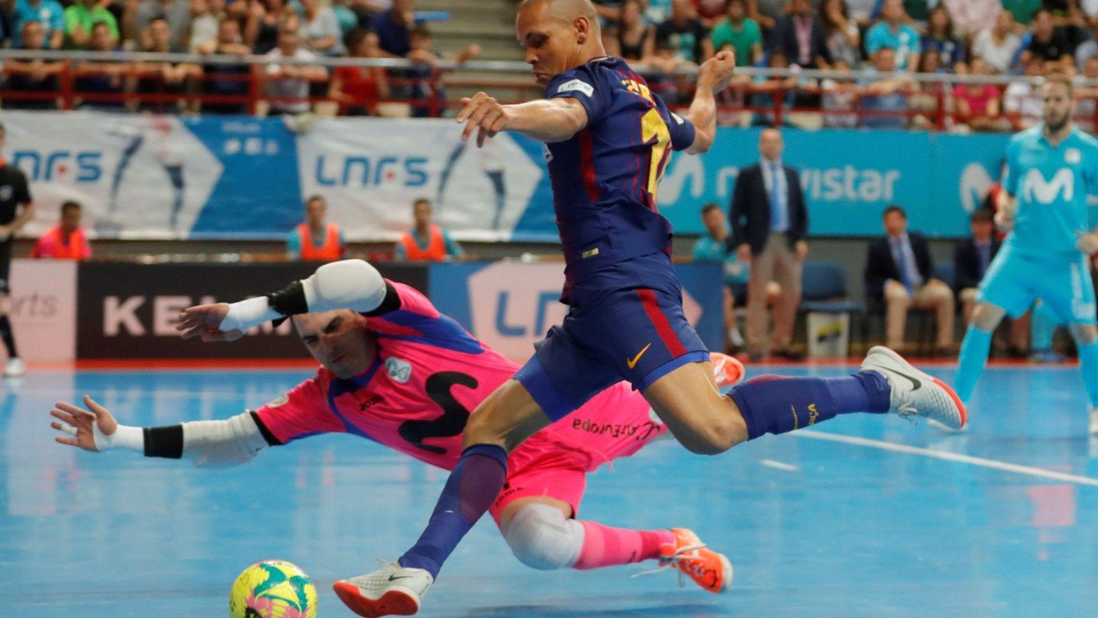 Foto: Ferrao en un partido del FC Barcelona la pasada temporada. (EFE)