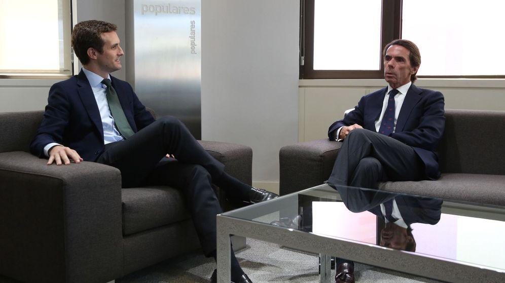 Foto: Pablo Casado y José María Aznar, en la sede de Génova del PP. (EFE)