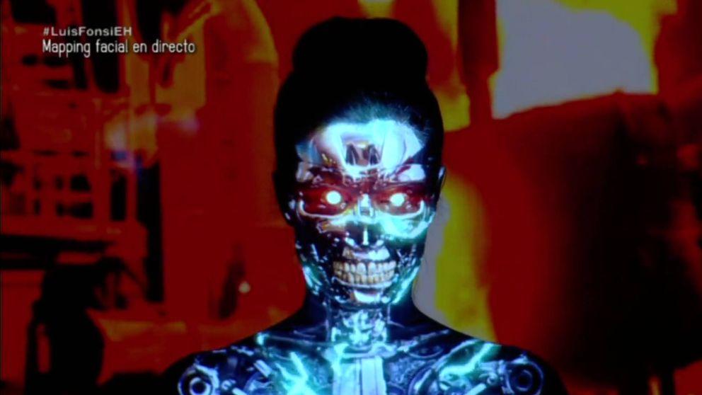 De geisha a lagarta: Pilar Rubio se somete a un impresionante mapping facial