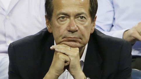 El gurú de los 'hedge funds' Paulson se queda pillado en Grecia y Puerto Rico