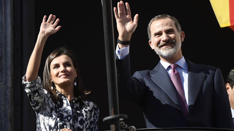 Los Reyes, saludando en Écija. (LP)