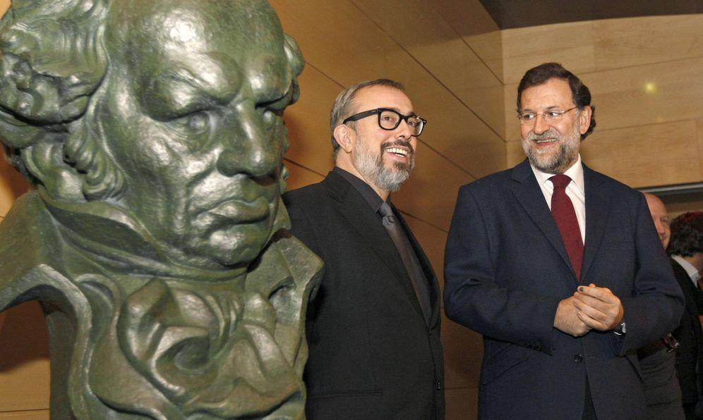 Foto: La última vez que se vio públicamente a Mariano Rajoy con el cine fue en la ceremonia de los Goya, en 2010, como presidente del PP. (EFE)