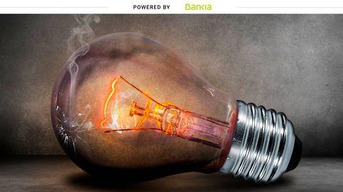 De qué depende el precio de la luz y qué debes hacer para ahorrar en tu factura