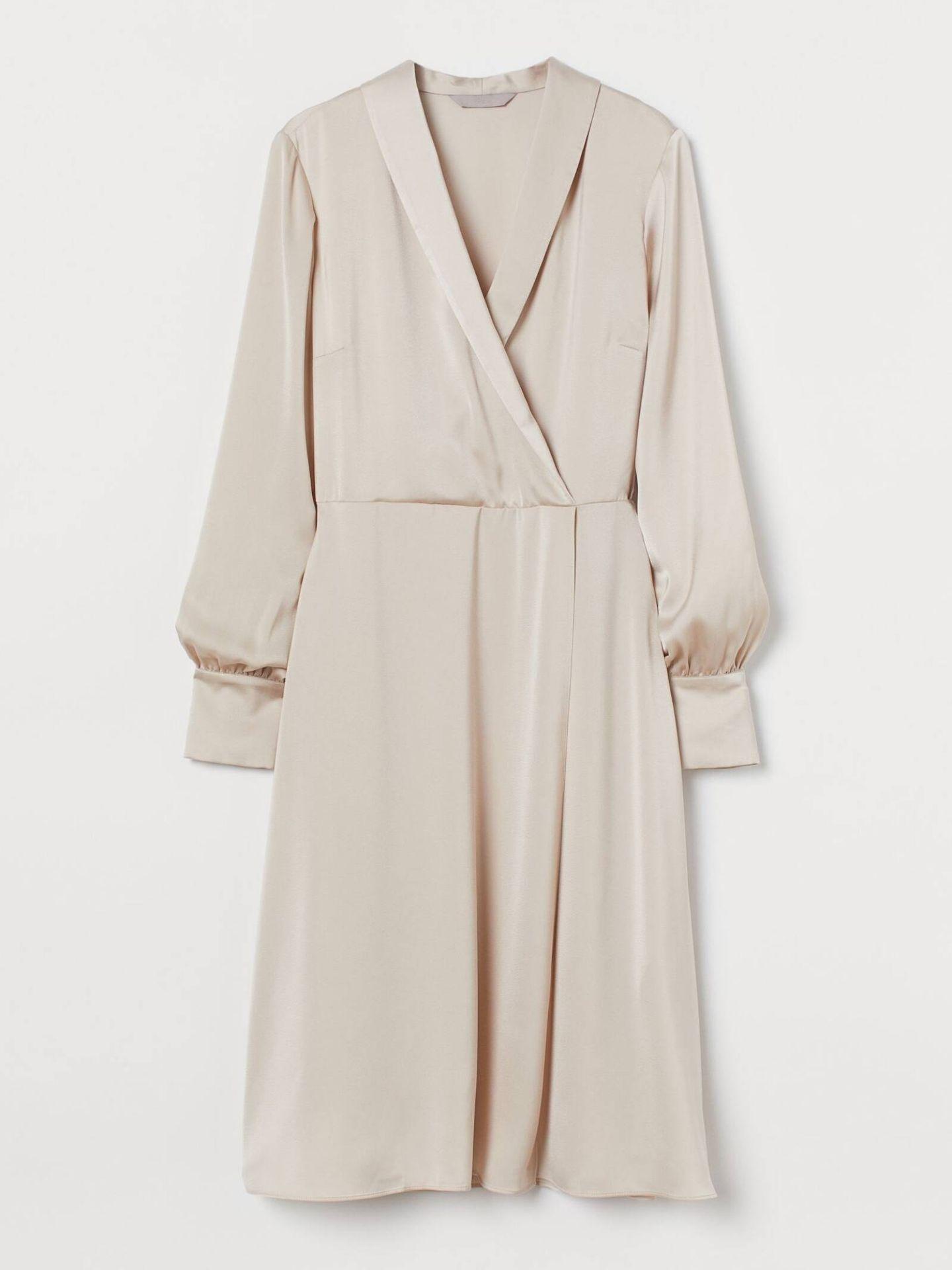 Vestido 'pale wrap dress' de HyM. (Cortesía)