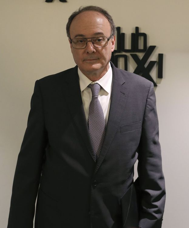 Foto: Luis María Linde en almuerzo-coloquio del Club Siglo XXI. (EFE)