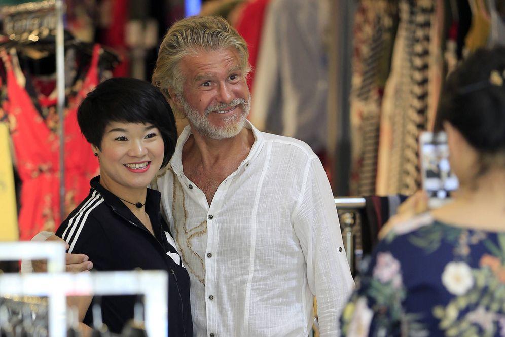 Foto: Bigote Arrocet junto a Elena Chen. (Gtres)