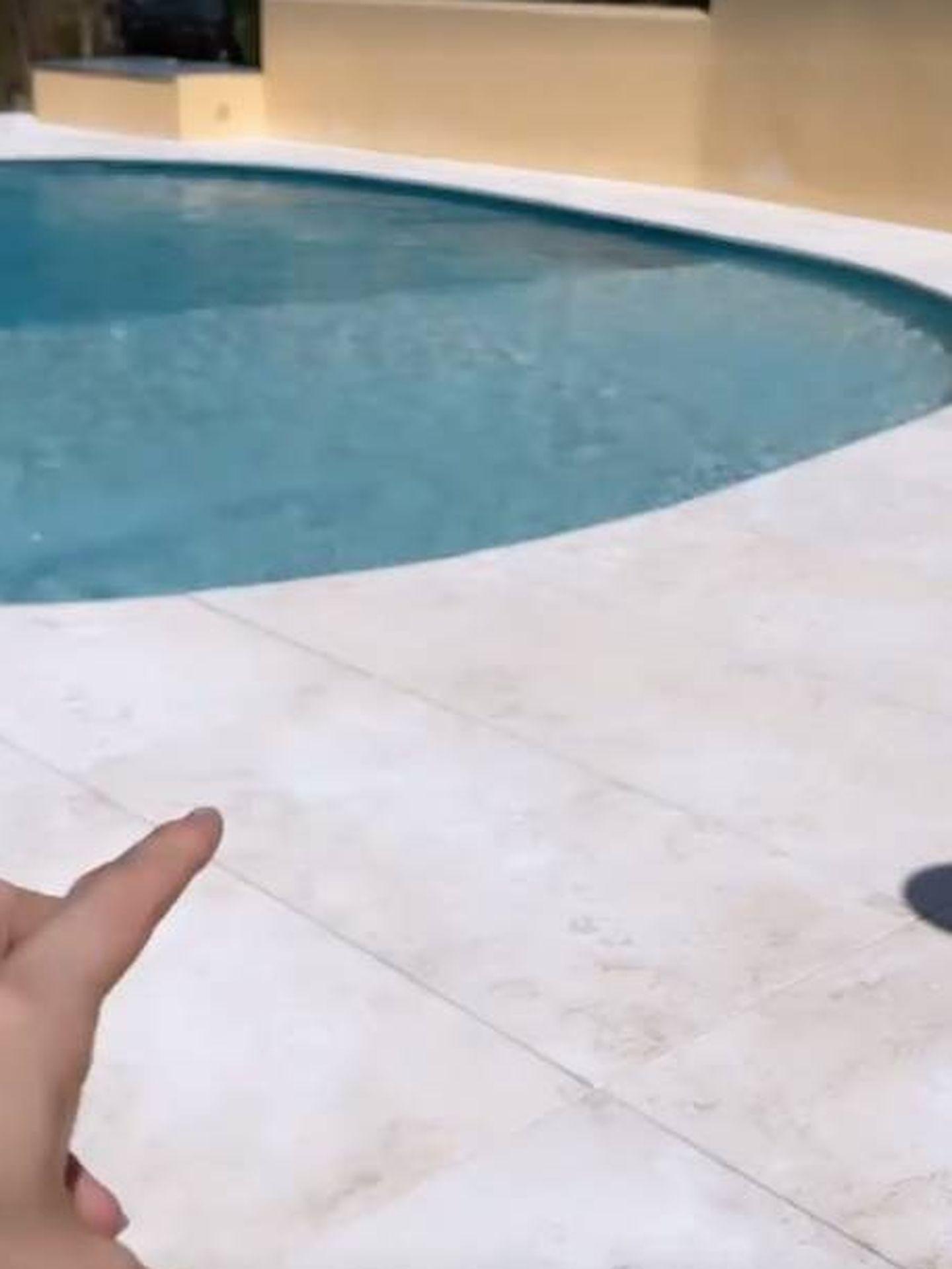 La nueva imagen de la piscina de Rocío Osorno. (Instagram @rocio0sorno)