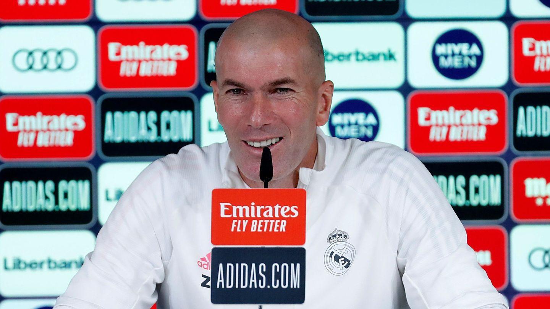 Zidane atiende a los medios de comunicación. (EFE)