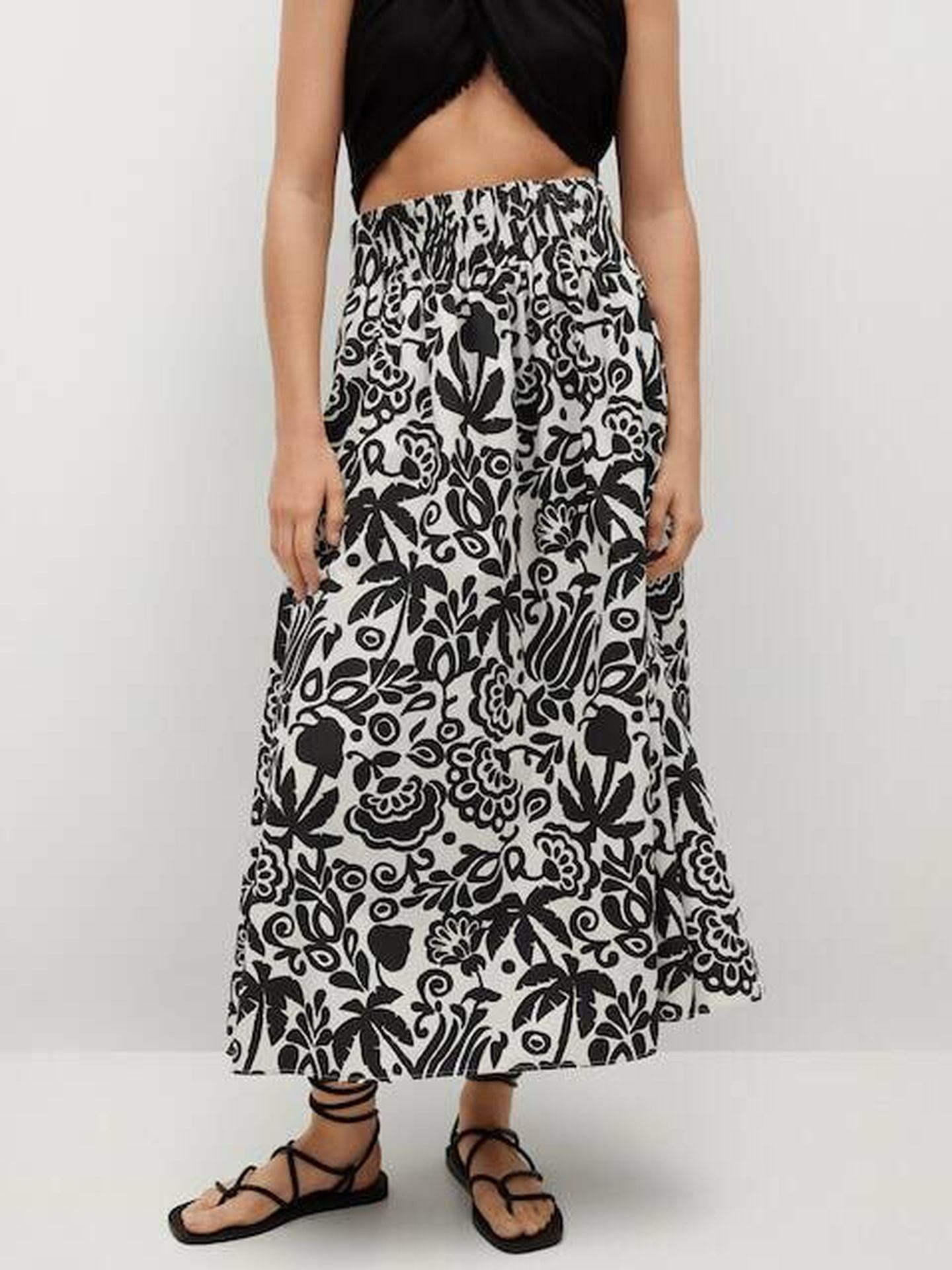 La falda floral de las rebajas de Mango. (Cortesía)