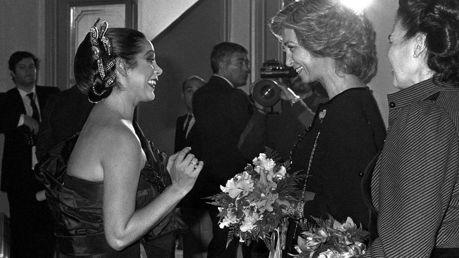 Foto:  Isabel Pantoja y la reina Sofía, en el histórico concierto. (EFE)