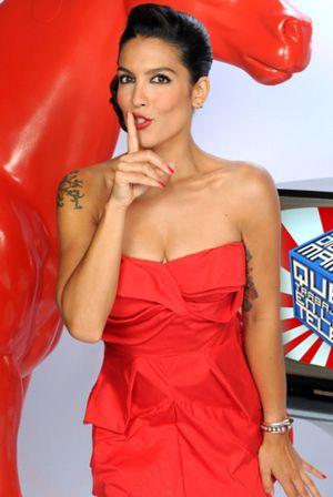 Cuatro bromea con el topless 'in fraganti' de Lorena Castell en Interviú