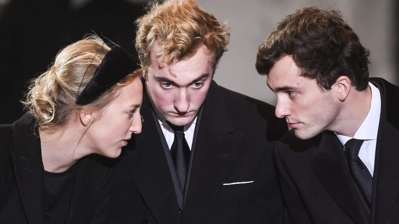 María Laura, Joaquín y Amadeo de Bélgica, durante el segundo funeral de la reina Fabiola de Bélgica. (EFE)