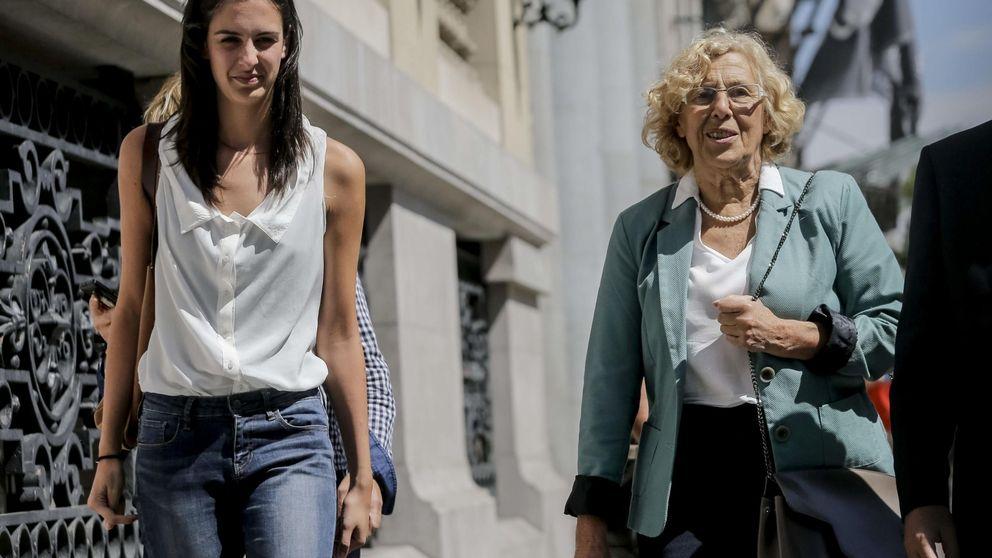 Carmena declara 430.000 euros en acciones y dos pisos y su portavoz solo 800 euros