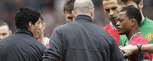 Johnson acusa a Evra de planear el incidente del saludo con Luis Suárez