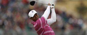 Tiger Woods enseña las garras en St. Andrews