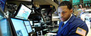 Wall Street se rinde al pesimismo y el Dow pierde los 12.000 puntos