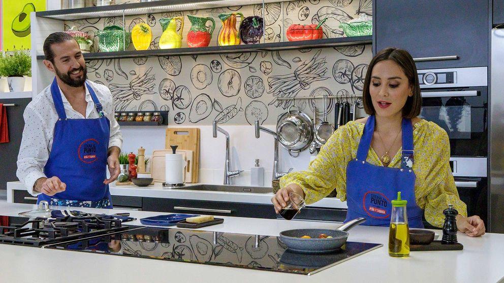 Tamara Falcó vuelve a la televisión: tres looks y una melena imperturbable entre fogones