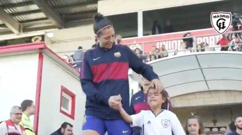 Las niñas del Madrid CFF lloran por tener que saltar al campo con el Barça