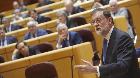 Rajoy negocia con los barones del PSOE los Presupuestos de 2018 pese a Sánchez