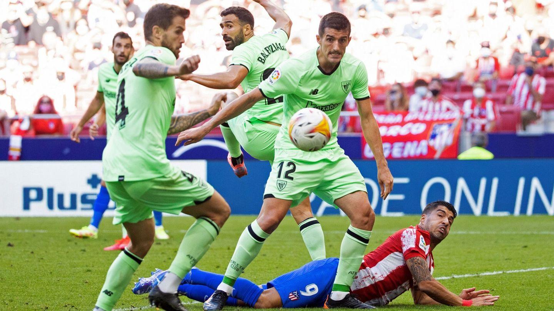 Suárez no disparó ni una sola vez entre los tres palos ante el Athletic Club en los 35 minutos que disputó. (Reuters)