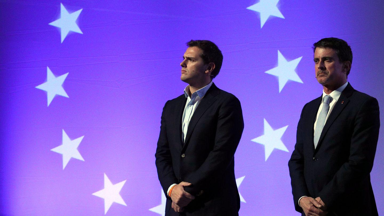 Manuel Valls y Albert Rivera durante la campaña de las catalanas. (EFE)