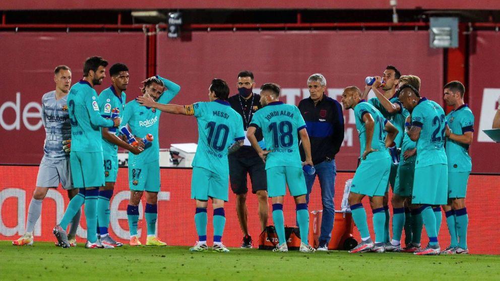 Messi, preocupado por la defensa: la imagen que deja en evidencia a Quique Setién
