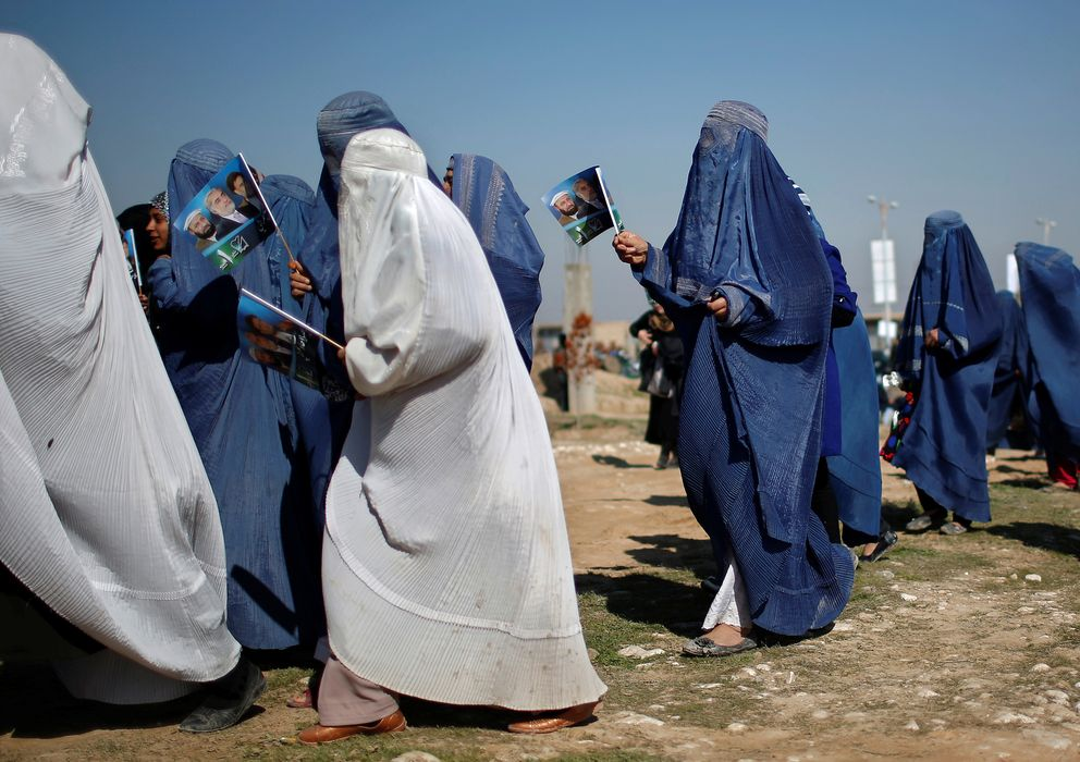 Foto: Simpatizantes del candidato presidencial Abdulá llegan a un mitin electoral en Mazar-I-Shariff, al norte de Afganistán. (Reuters)