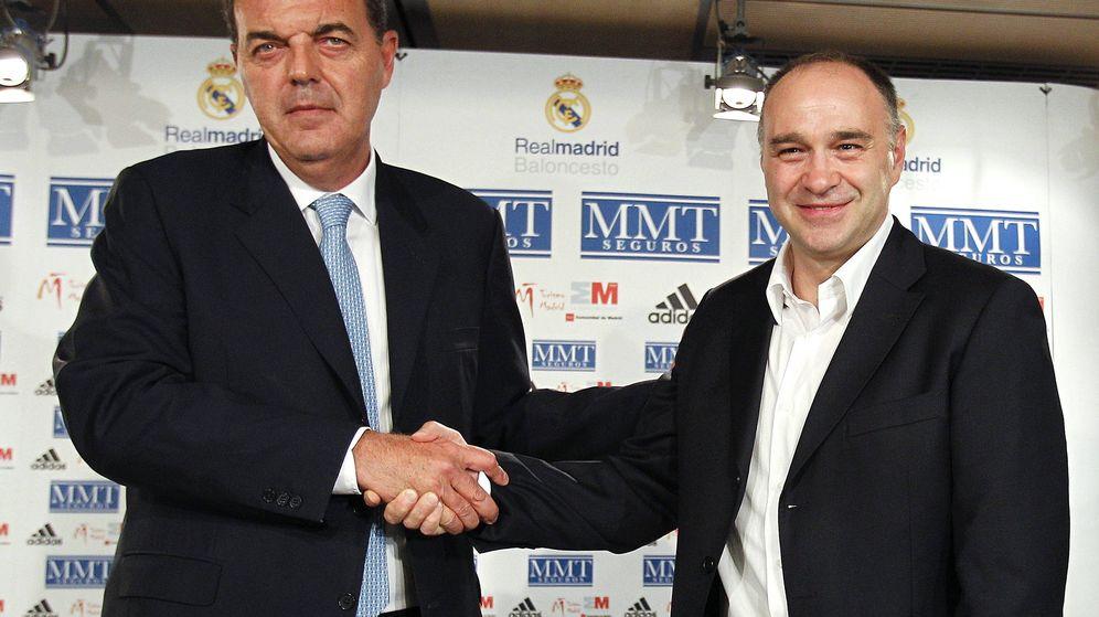 Foto: Juan Carlos Sánchez, el día en que presentó a Pablo Laso como entrenador. (EFE)