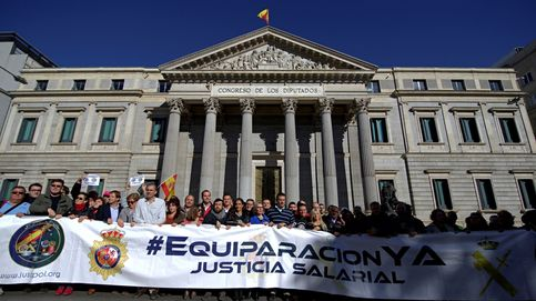 Policías y guardias civiles se manifiestan en Madrid por la igualdad salarial