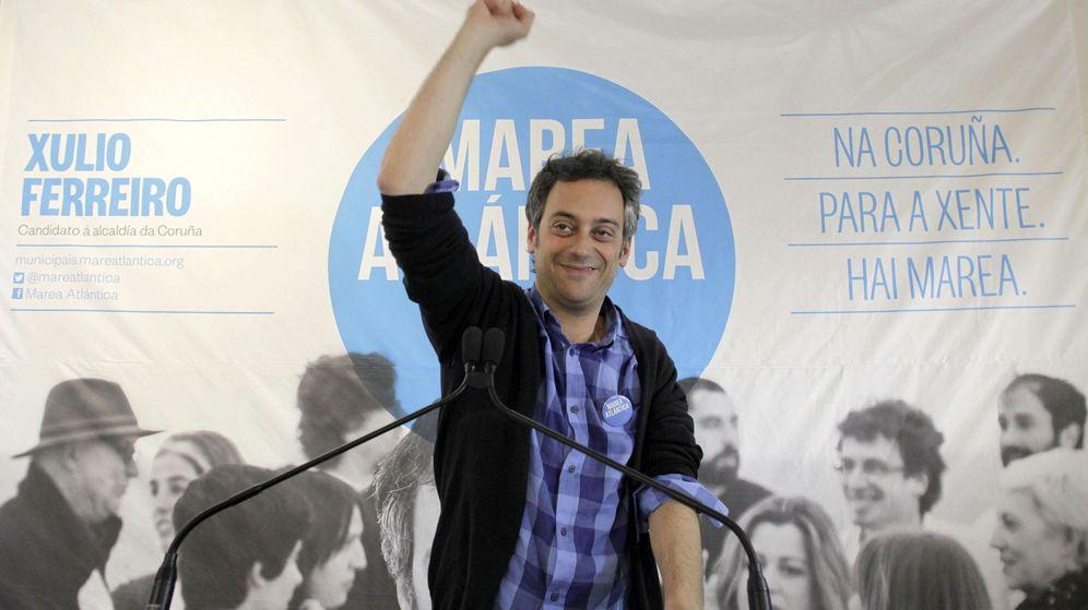Foto: El candidato de Marea Atlántica a A Coruña, Xulio Ferreiro, comparece tras conocerse los resultados de las elecciones municipales. (EFE)