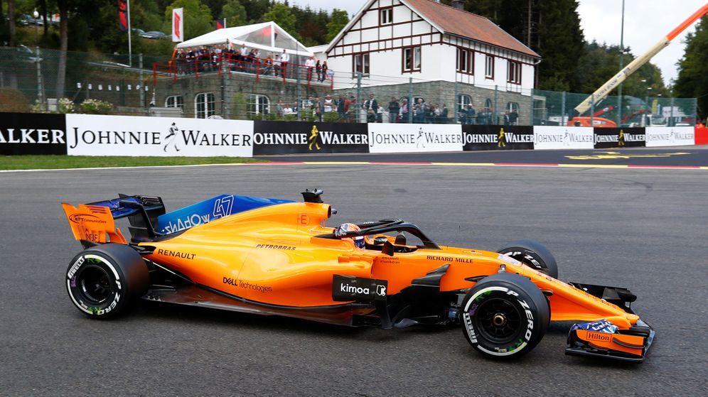 Foto: Fernando Alonso durante los entrenamientos libres en Spa. (REUTERS)