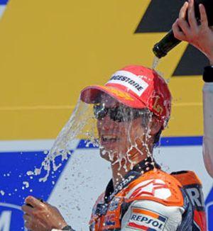 Pedrosa gana a Lorenzo en la 'Carrera I después de Rossi'