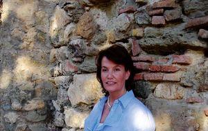 Ingrid Sartiau, la mujer que ha removido los pilares de la Corona
