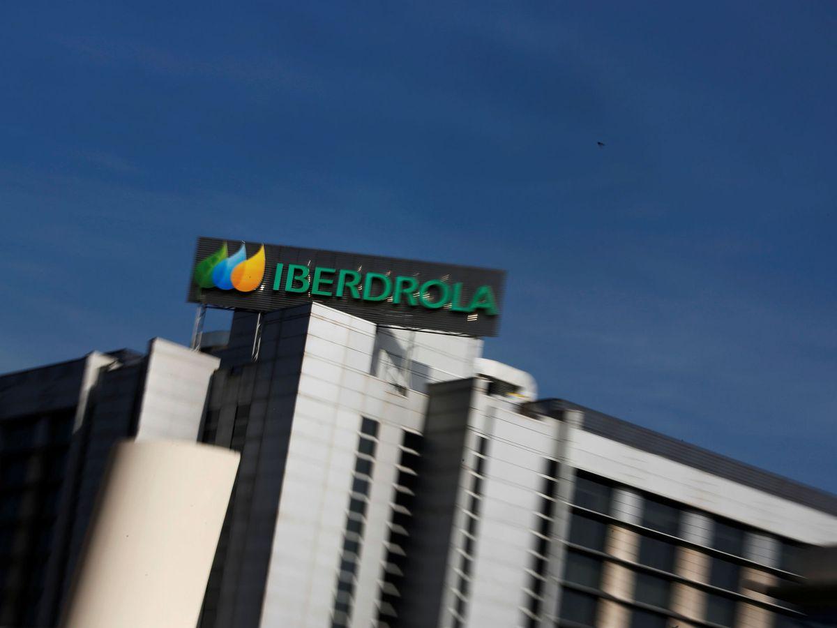 Foto: Logo de Iberdrola en su sede de Madrid. (Reuters)