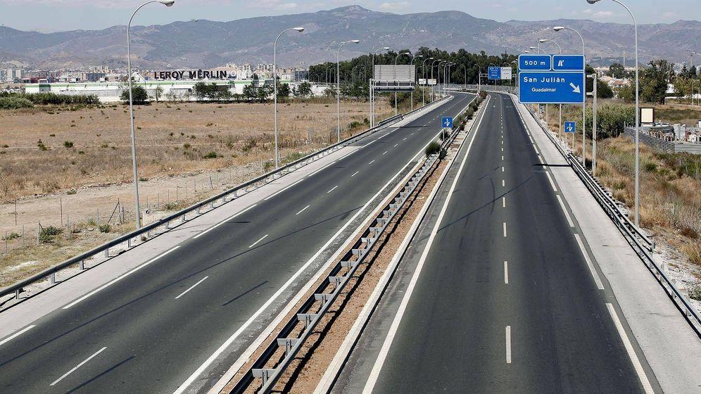 Foto: Autovía A7, en el tramo que conecta Málaga con la Playa de Guadalmar. (EFE)