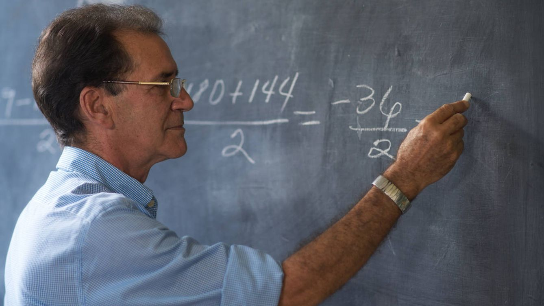 """España tendrá que renovar a 3 de cada 8 profesores en una década"", según la OCDE"