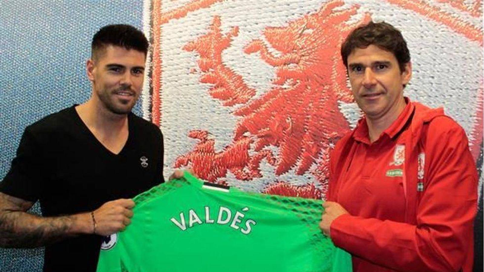 Foto: Karanka y Valdés posan con la zamarra del Middlesbrough