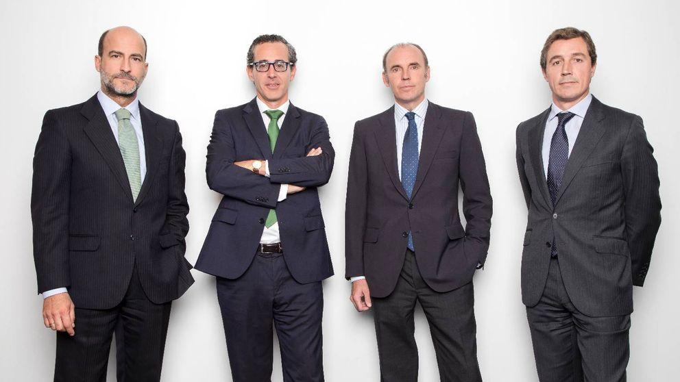 azValor hace propósito de enmienda y confía en las materias primas  para 2018