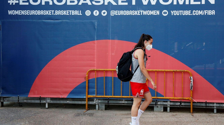 La Selección crea una burbuja paralela tras los positivos de Alba Torrens y Tamara Abalde