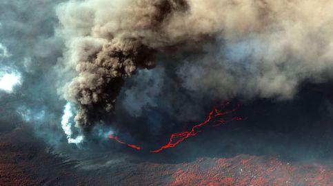 Un nuevo centro eruptivo comienza a emitir cenizas al sureste del cono principal