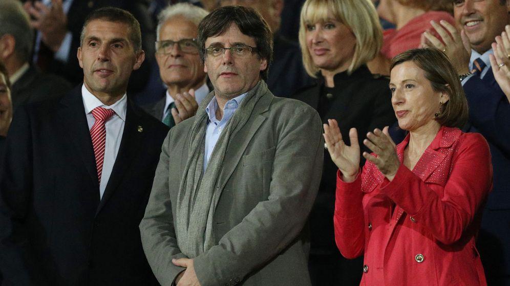 Foto: Carles Puigdemont acudió a Montilivi el 23 de septiembre para ver el Girona-FC Barcelona. (Reuters)