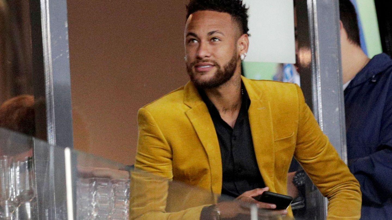 Neymar, de espectador, durante la Copa de América. (EFE)