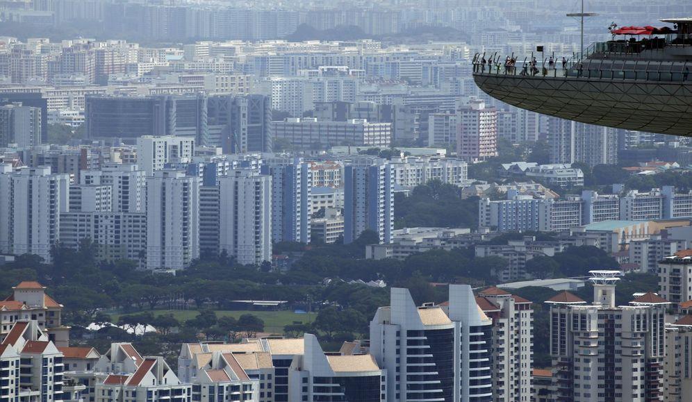 Foto: Área residencial de Singapur vista desde el mirador de una de sus torres. (Reuters)