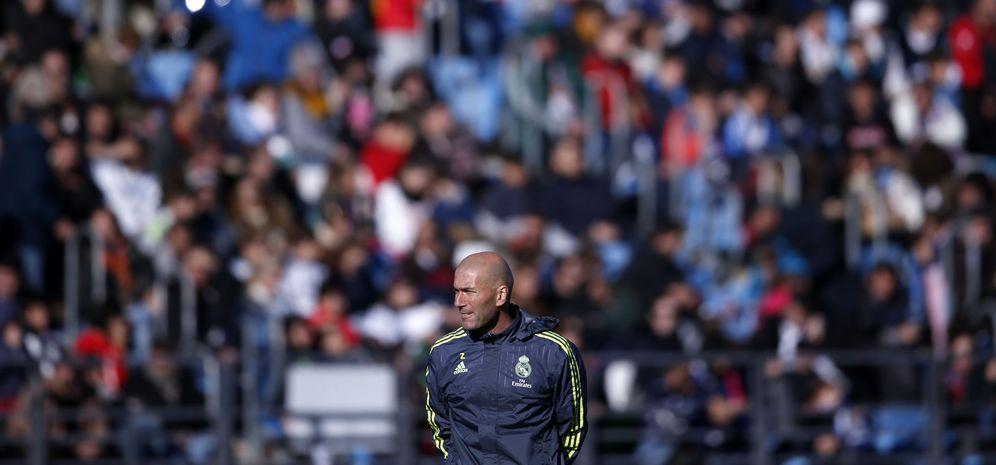 Foto: Zidane, durante su primer entrenamiento con el Real Madrid (Reuters)