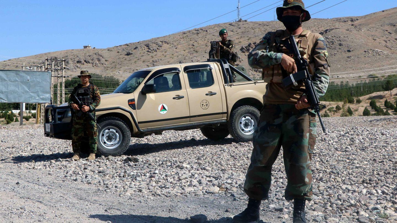 Soldados del Ejército afgano (ANA) este julio. (EFE)