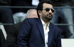 Al Thani desdice sus palabras y afirma que seguirá en el Málaga