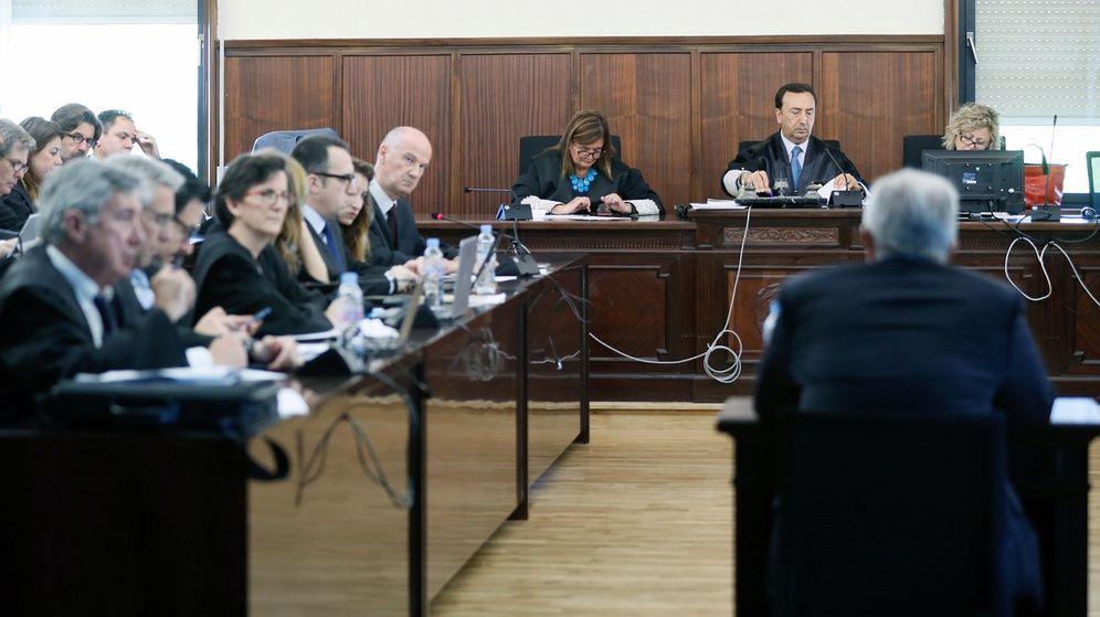 Foto: La declaración de José María Bueno, expresidente de El Monte, en el juicio del caso ERE. (EFE)